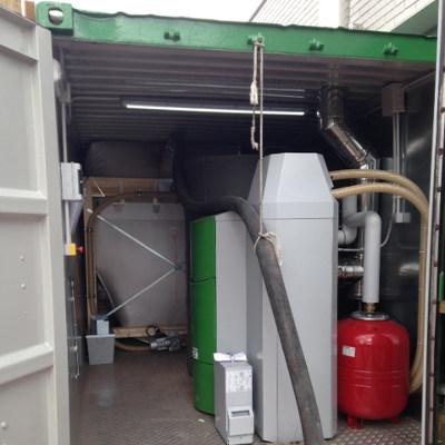 Caldera de Pellets en container exterior Colegio
